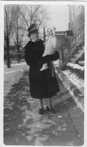 Anna Vitek holding her granddaughter, Gloria Simo