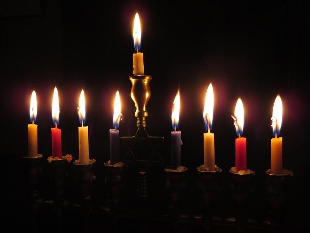 menorrah candles-897776_640